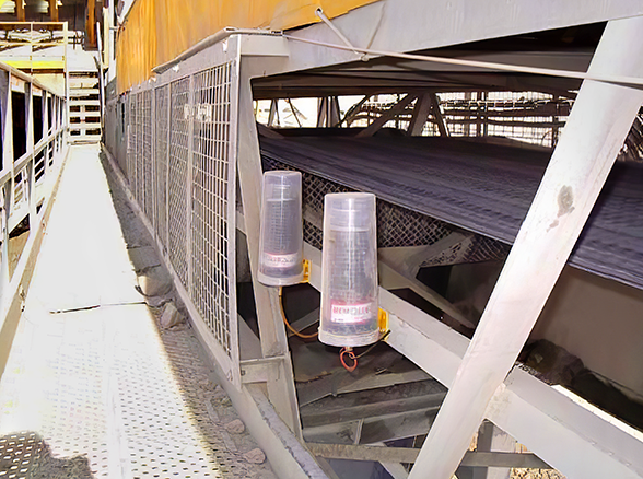 MEMOLUB HPS 480s lubricate head pulley bearings on a quarry belt conveyor.